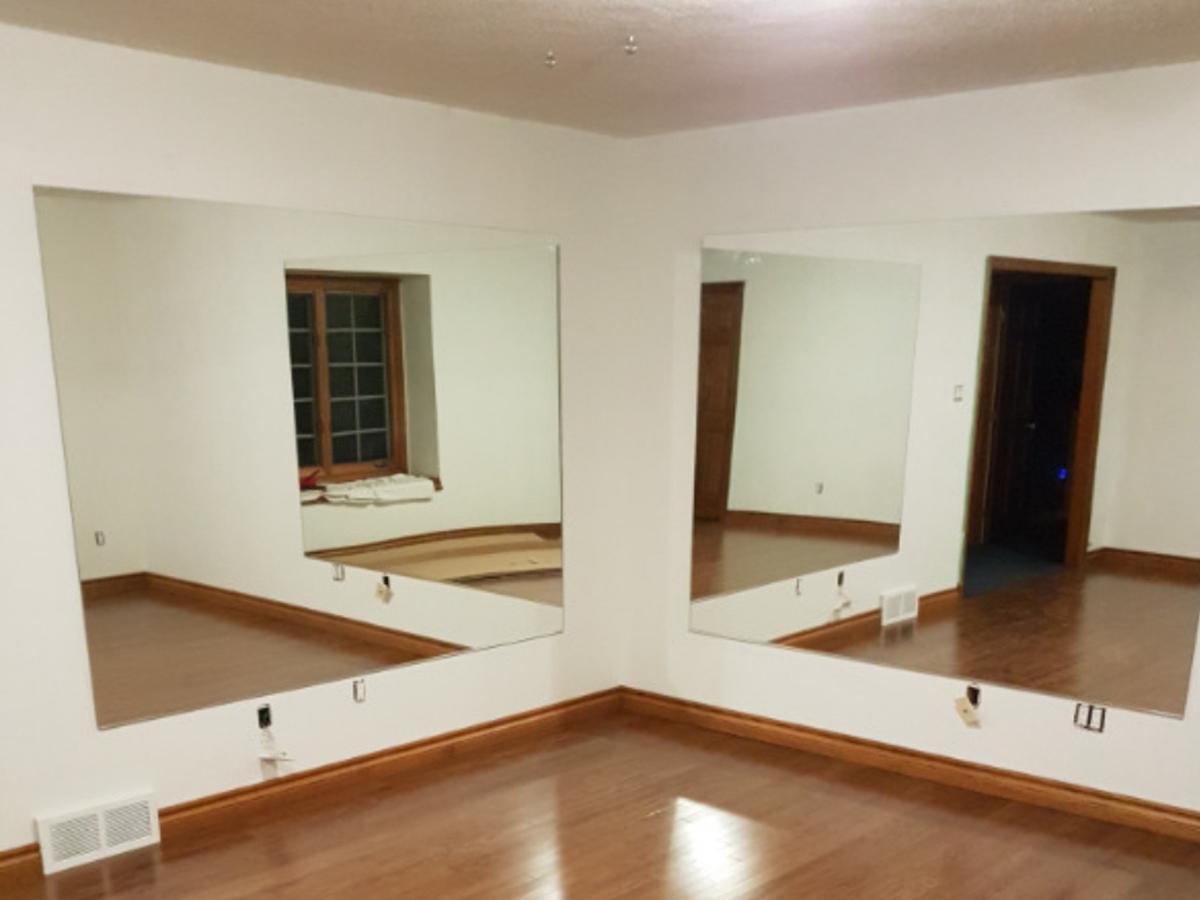cornerGlassMirror4-2-walls